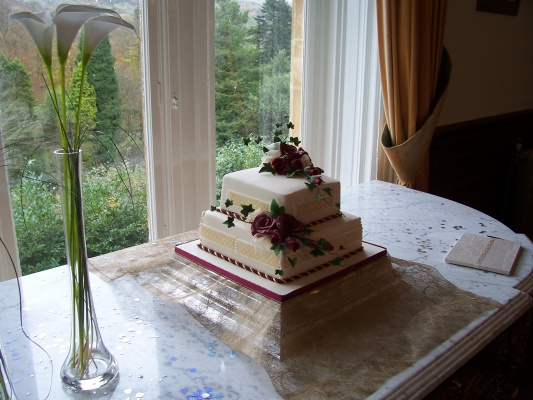 Get An Idea Of Our Cake Suppliers Craig Y Nos Castle Weddings - Wedding Cake Swansea